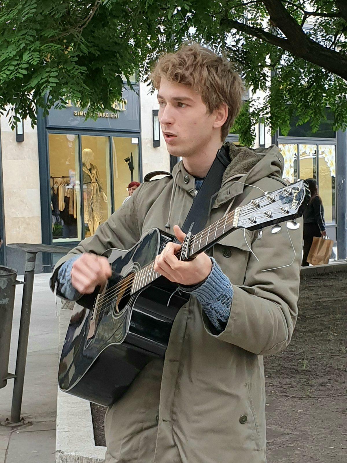gitaar jongen tekst Anne van Bergeijk verwondering